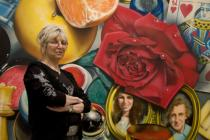 "Audrey Flack in front of her painting ""Queen""(1975/76), Deutsche Guggenheim, Berlin, March 2009, Photo: Mathias Schormann"