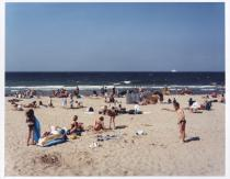 Tomoko Yoneda, Beach (Location of the D-Day Normandy Landings, Sword Beach, France), aus der Serie �Scene�, 2002, � Tomoko Yoneda, Courtesy Shugo Arts